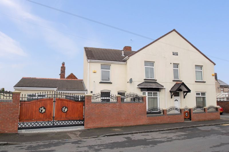 2 bed house for sale in Mace Street  - Property Image 2