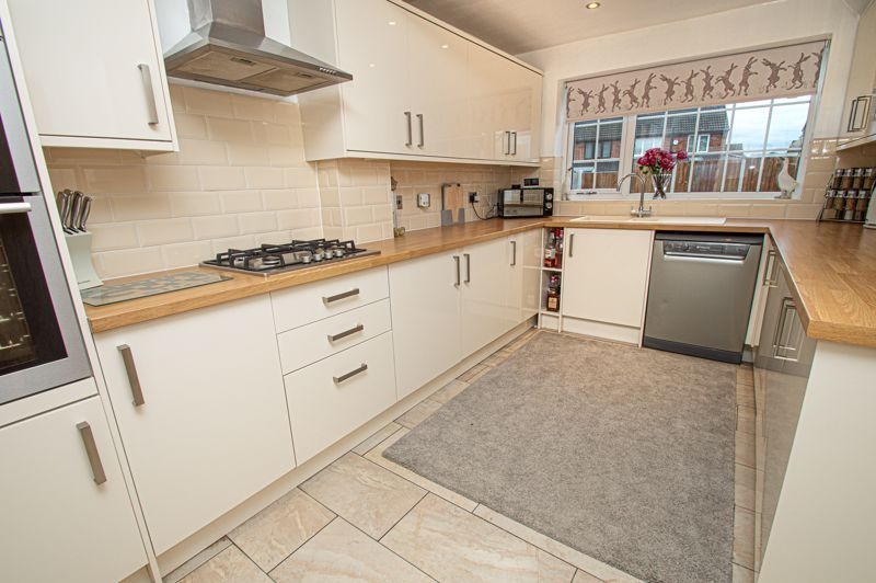 3 bed house for sale in Brierley Hill Road 3