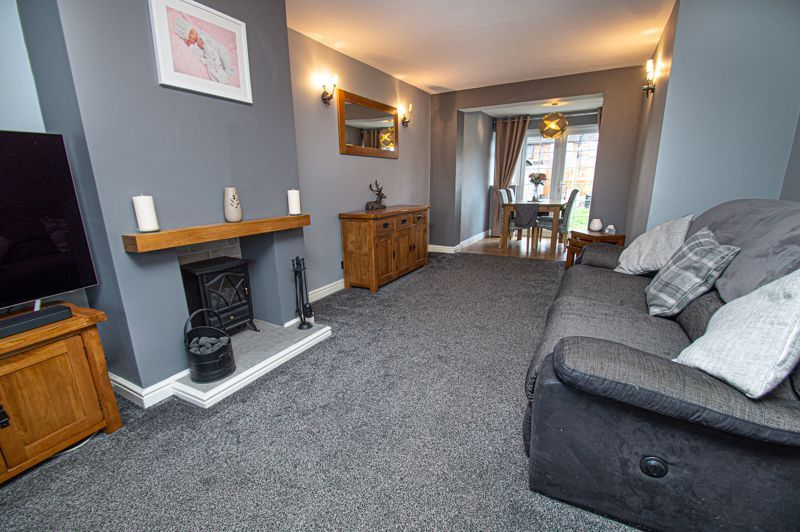 3 bed house for sale in Brierley Hill Road 6