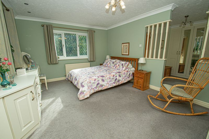 5 bed house for sale in Purshall Close  - Property Image 12