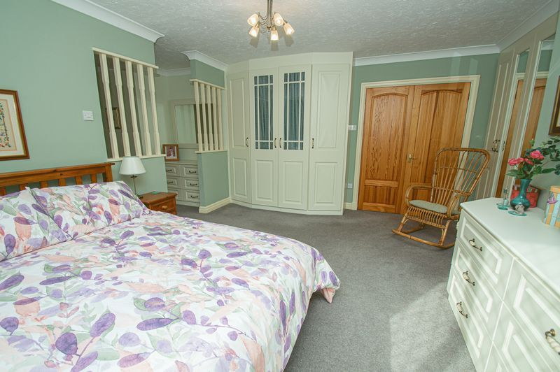 5 bed house for sale in Purshall Close  - Property Image 13