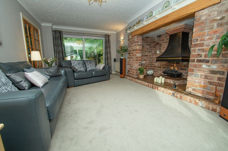 5 bed house for sale in Purshall Close 4