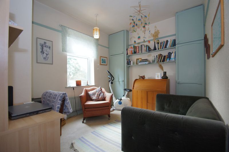 4 bed house for sale in Western Road 11