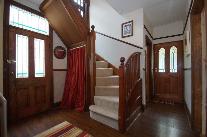 4 bed house for sale in Western Road 6