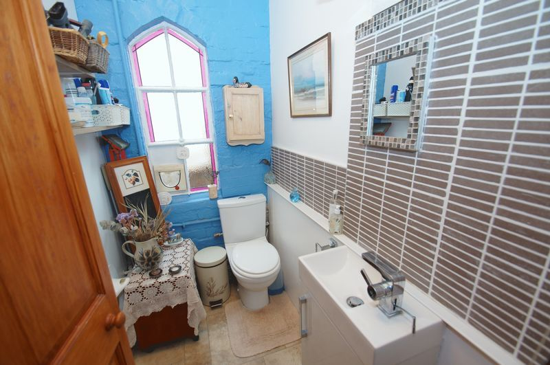 4 bed house for sale in Western Road 7