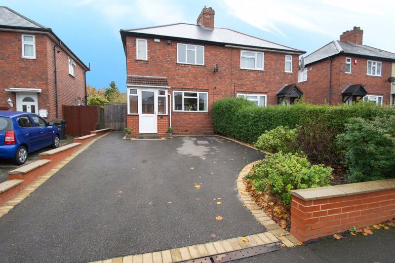 2 bed house for sale in Ridgefield Road - Property Image 1