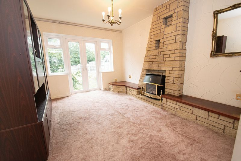 3 bed house for sale in Compton Grove  - Property Image 2