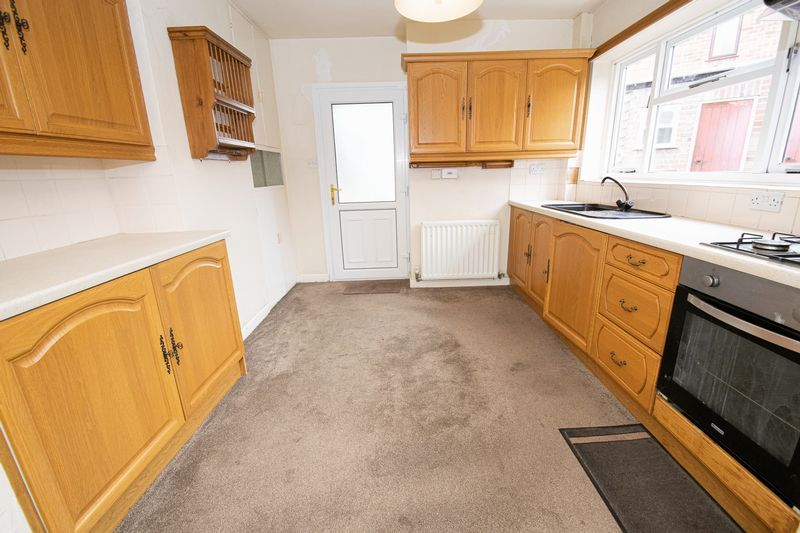 3 bed house for sale in Compton Grove 3