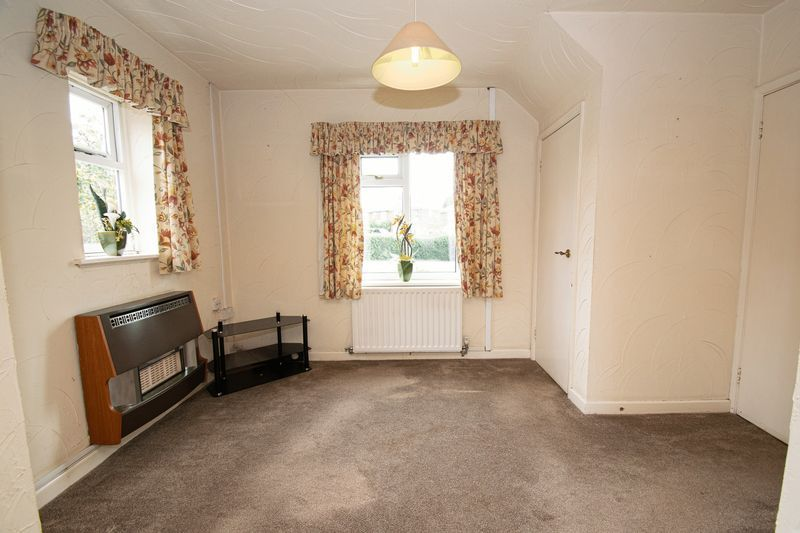 3 bed house for sale in Compton Grove  - Property Image 6