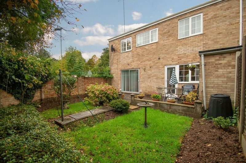 3 bed house for sale in Ladygrove Close - Property Image 1