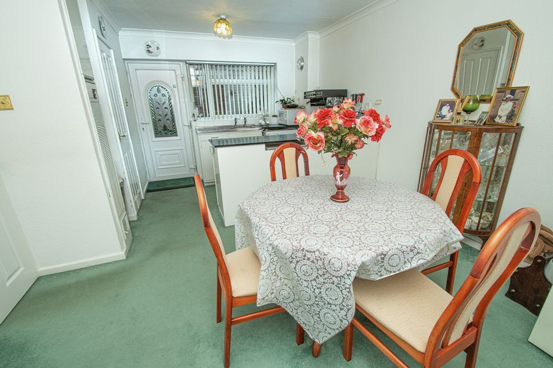 3 bed house for sale in Ladygrove Close 3