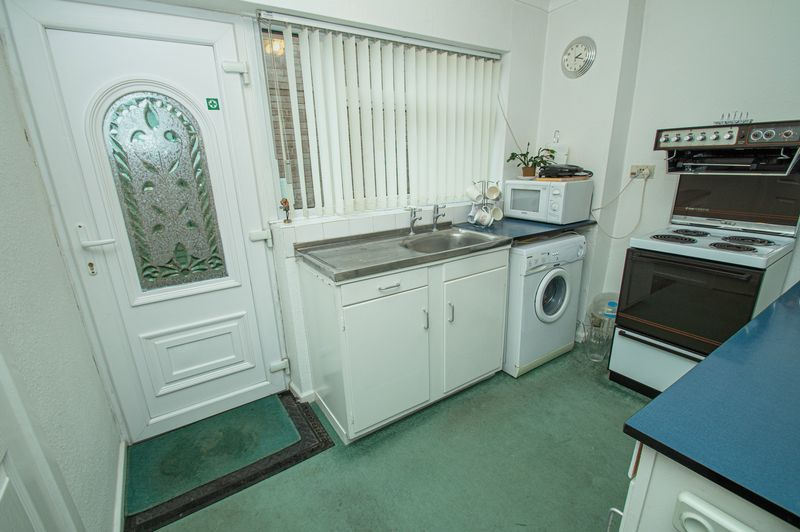 3 bed house for sale in Ladygrove Close  - Property Image 6