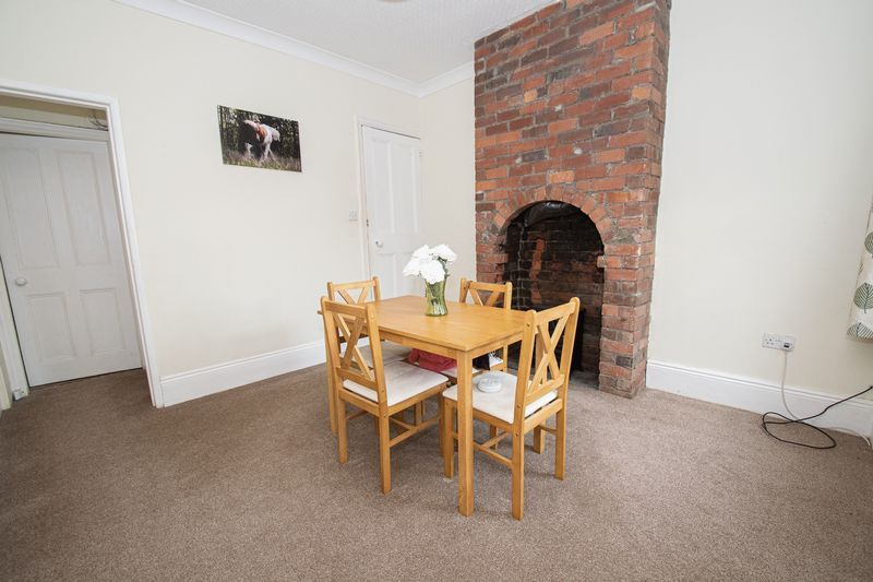 2 bed house for sale in Highfield Road 5