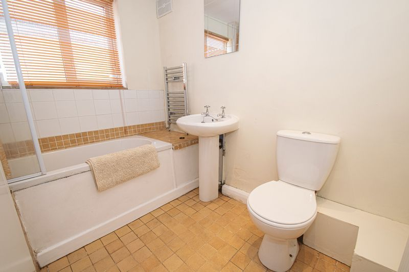 2 bed house for sale in Highfield Road  - Property Image 7