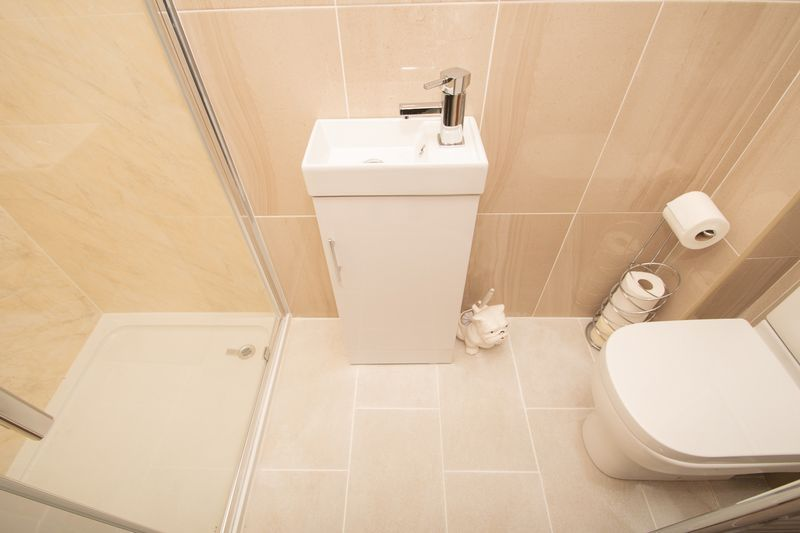4 bed house for sale in Hill Top Avenue  - Property Image 13