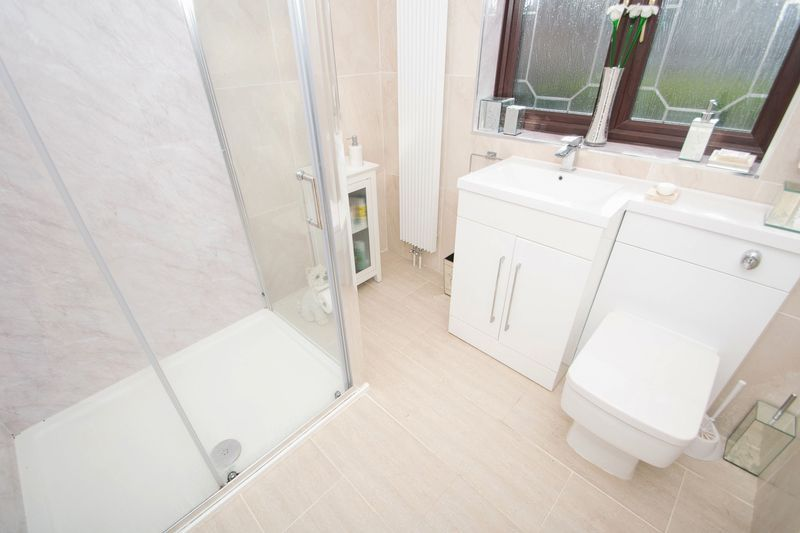 4 bed house for sale in Hill Top Avenue  - Property Image 17