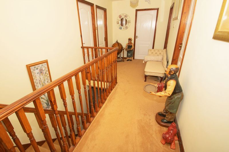 4 bed house for sale in Hill Top Avenue  - Property Image 18