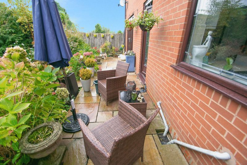4 bed house for sale in Hill Top Avenue  - Property Image 20