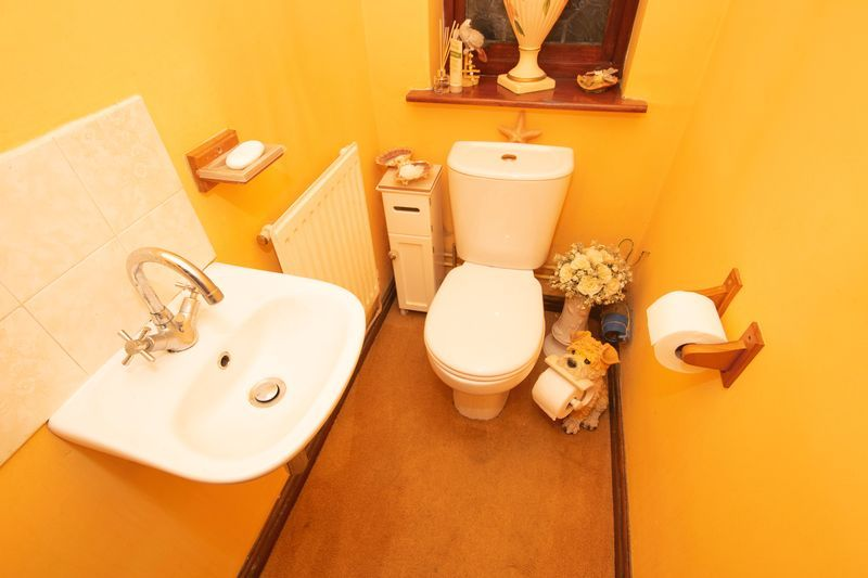 4 bed house for sale in Hill Top Avenue  - Property Image 8