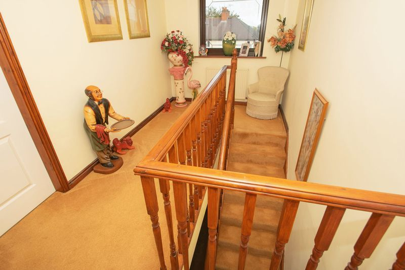 4 bed house for sale in Hill Top Avenue  - Property Image 9