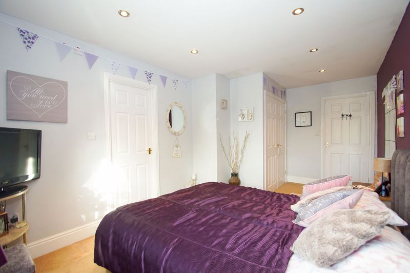 5 bed house for sale in Findon Close  - Property Image 13