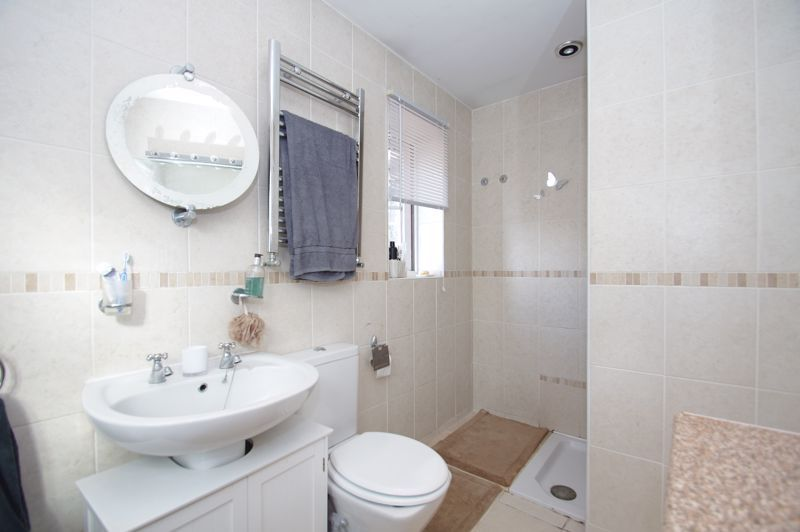 5 bed house for sale in Findon Close 15