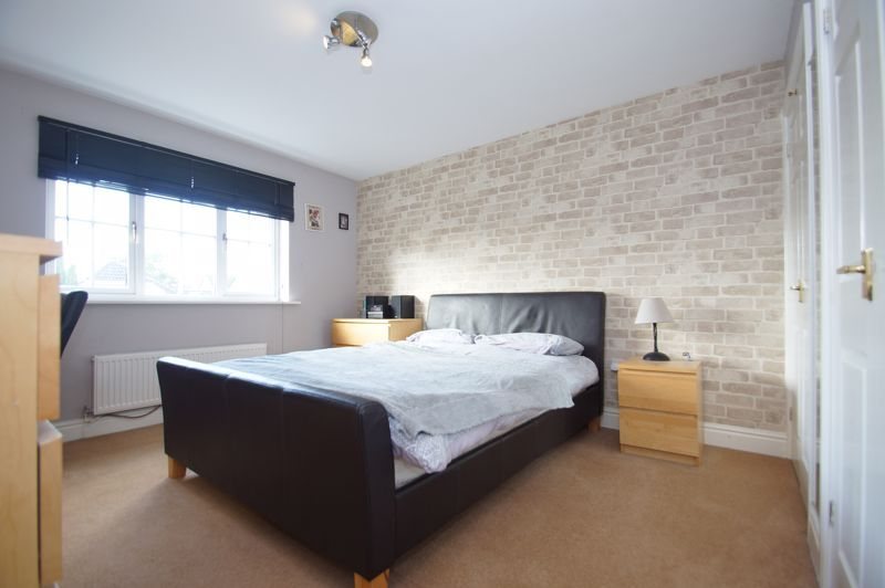 5 bed house for sale in Findon Close 16