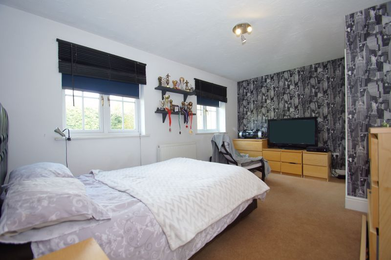 5 bed house for sale in Findon Close 19