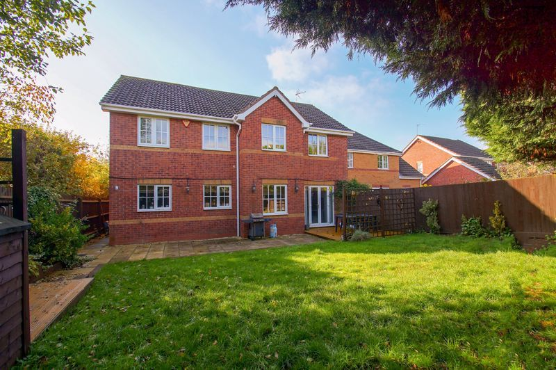 5 bed house for sale in Findon Close  - Property Image 3