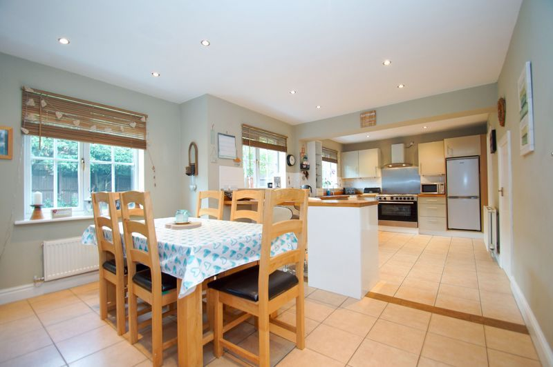 5 bed house for sale in Findon Close  - Property Image 5