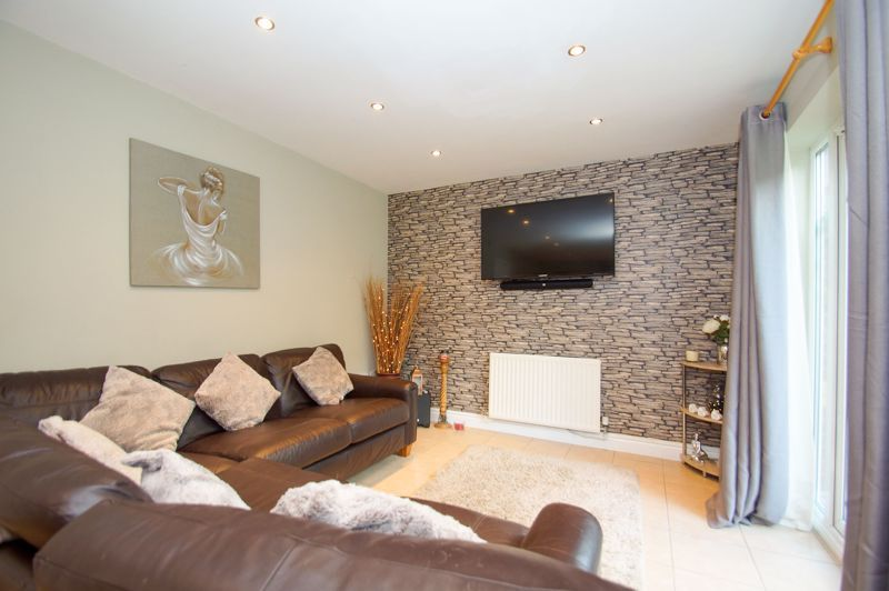 5 bed house for sale in Findon Close  - Property Image 9