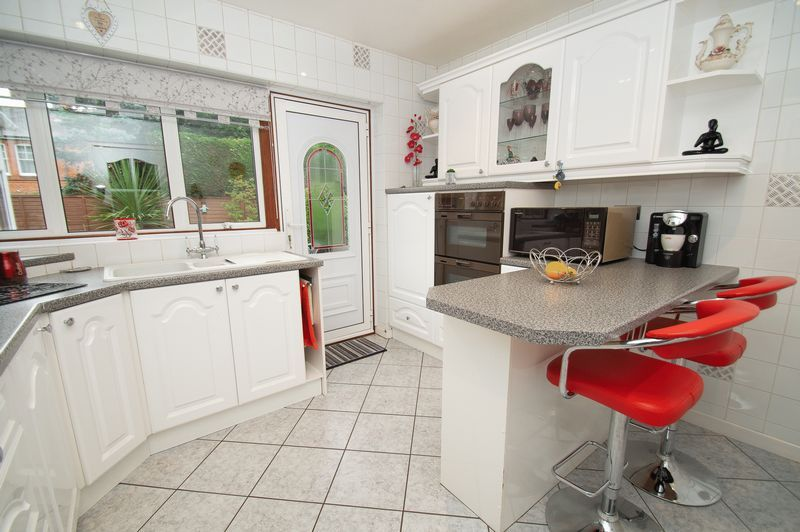 3 bed bungalow for sale in Church Lane  - Property Image 7