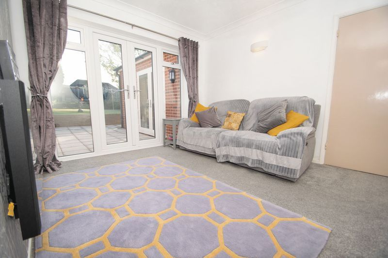3 bed house for sale in Fallowfield Road 7