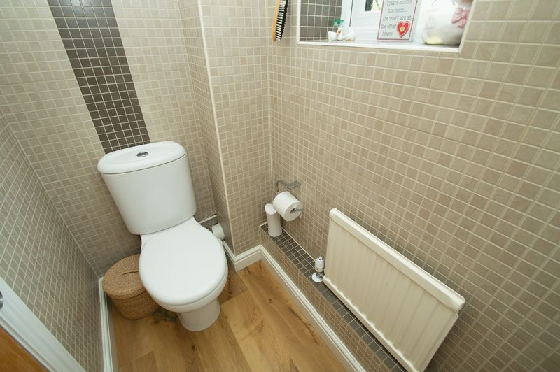 4 bed house for sale in Chesterton Close  - Property Image 12