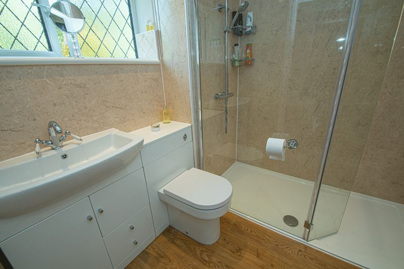 4 bed house for sale in Chesterton Close  - Property Image 15