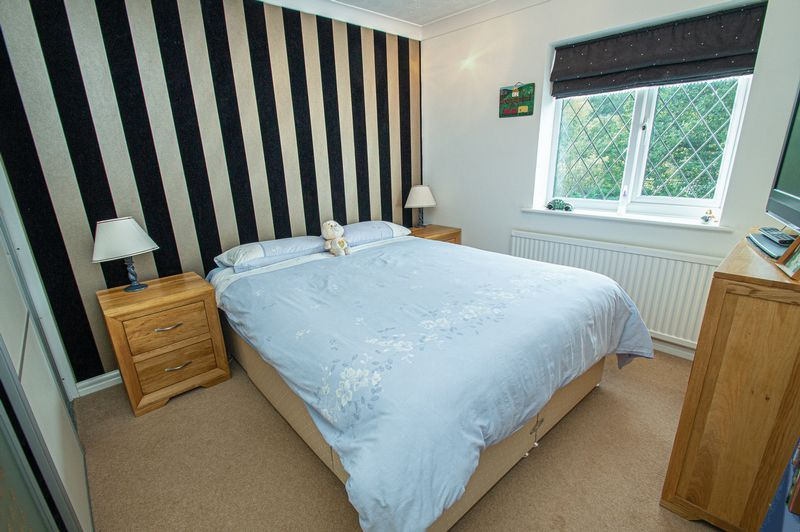 4 bed house for sale in Chesterton Close  - Property Image 16