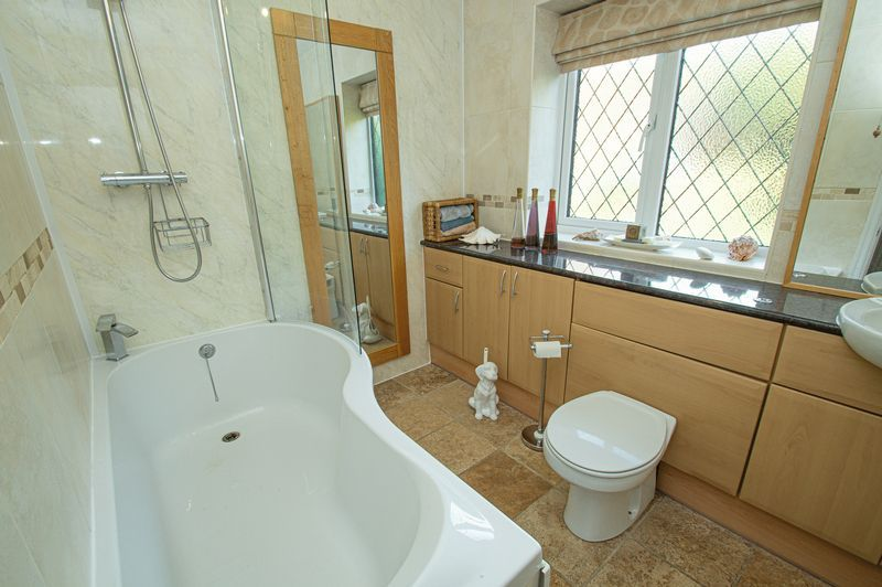 4 bed house for sale in Chesterton Close  - Property Image 18