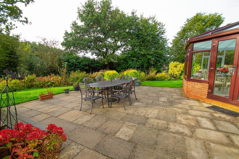 4 bed house for sale in Chesterton Close  - Property Image 19