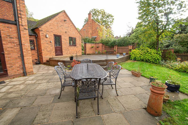 4 bed house for sale in Chesterton Close 20