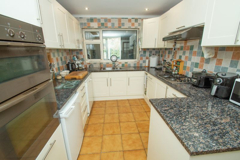 4 bed house for sale in Illshaw Close 6