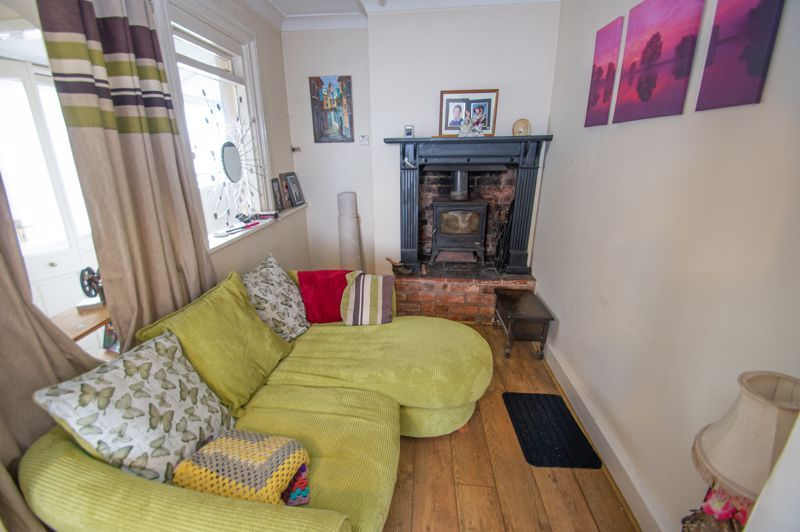 2 bed house for sale in Ross 3