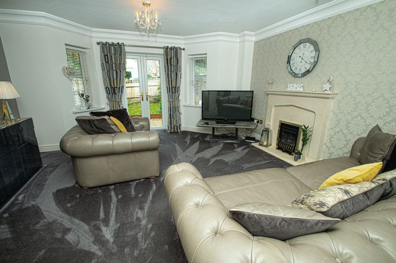 3 bed house for sale in Shakels Close  - Property Image 3