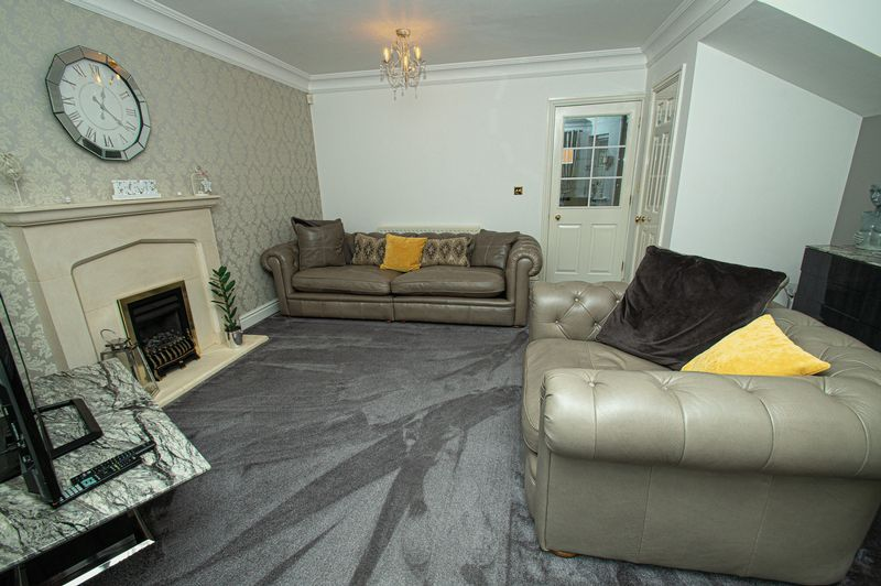 3 bed house for sale in Shakels Close  - Property Image 4