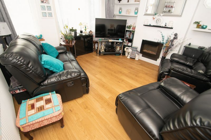 3 bed house for sale in Hagley Road  - Property Image 2