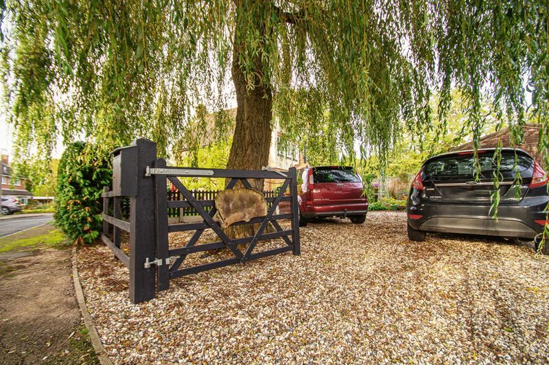 3 bed house for sale in Longhope Close  - Property Image 2