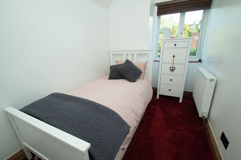 3 bed house for sale in Longhope Close 15