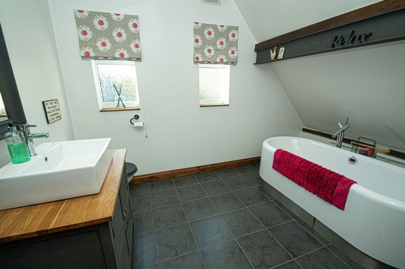 3 bed house for sale in Longhope Close  - Property Image 16