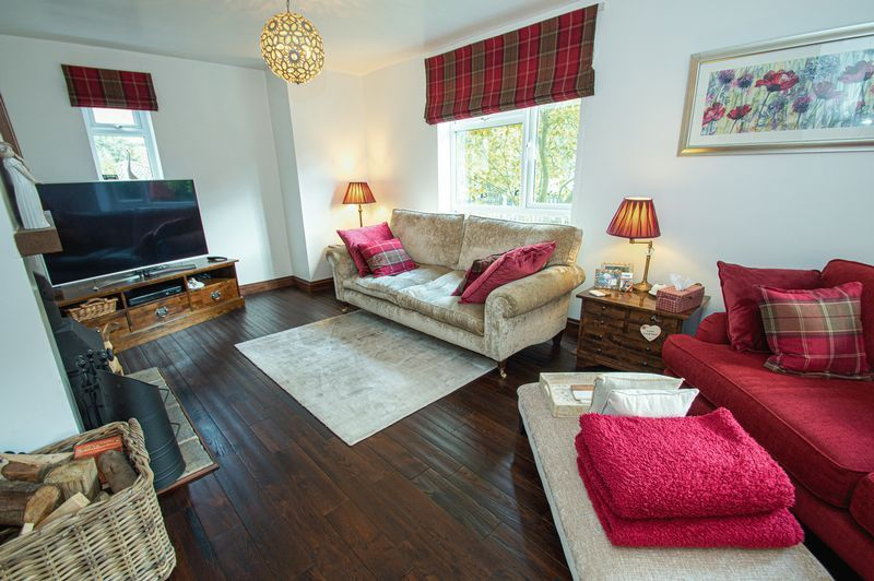 3 bed house for sale in Longhope Close 9