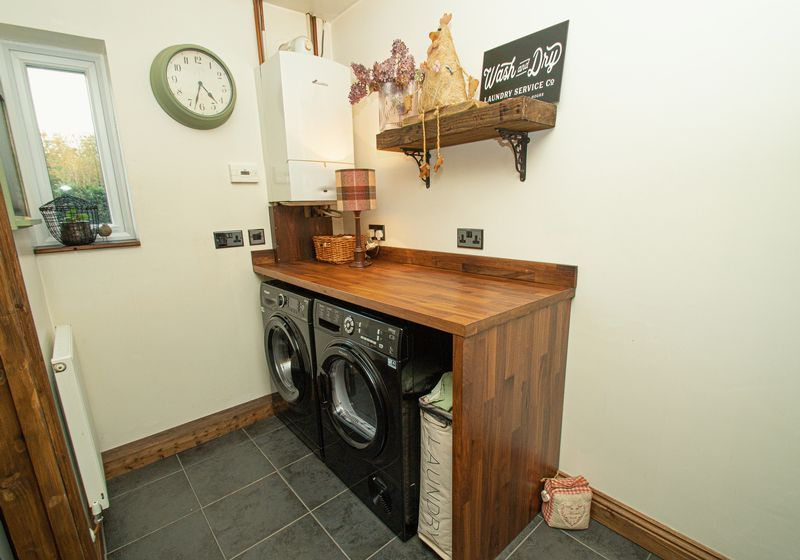 3 bed house for sale in Longhope Close 10