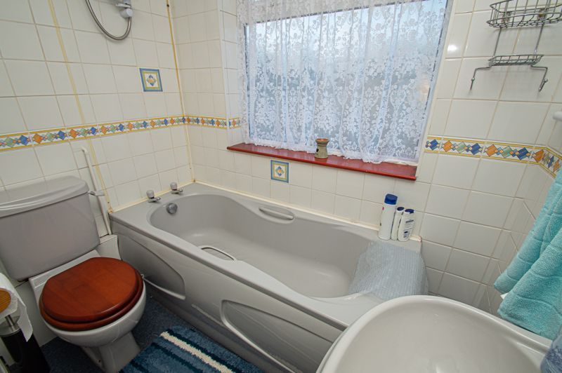 3 bed house for sale in Little Acre 9